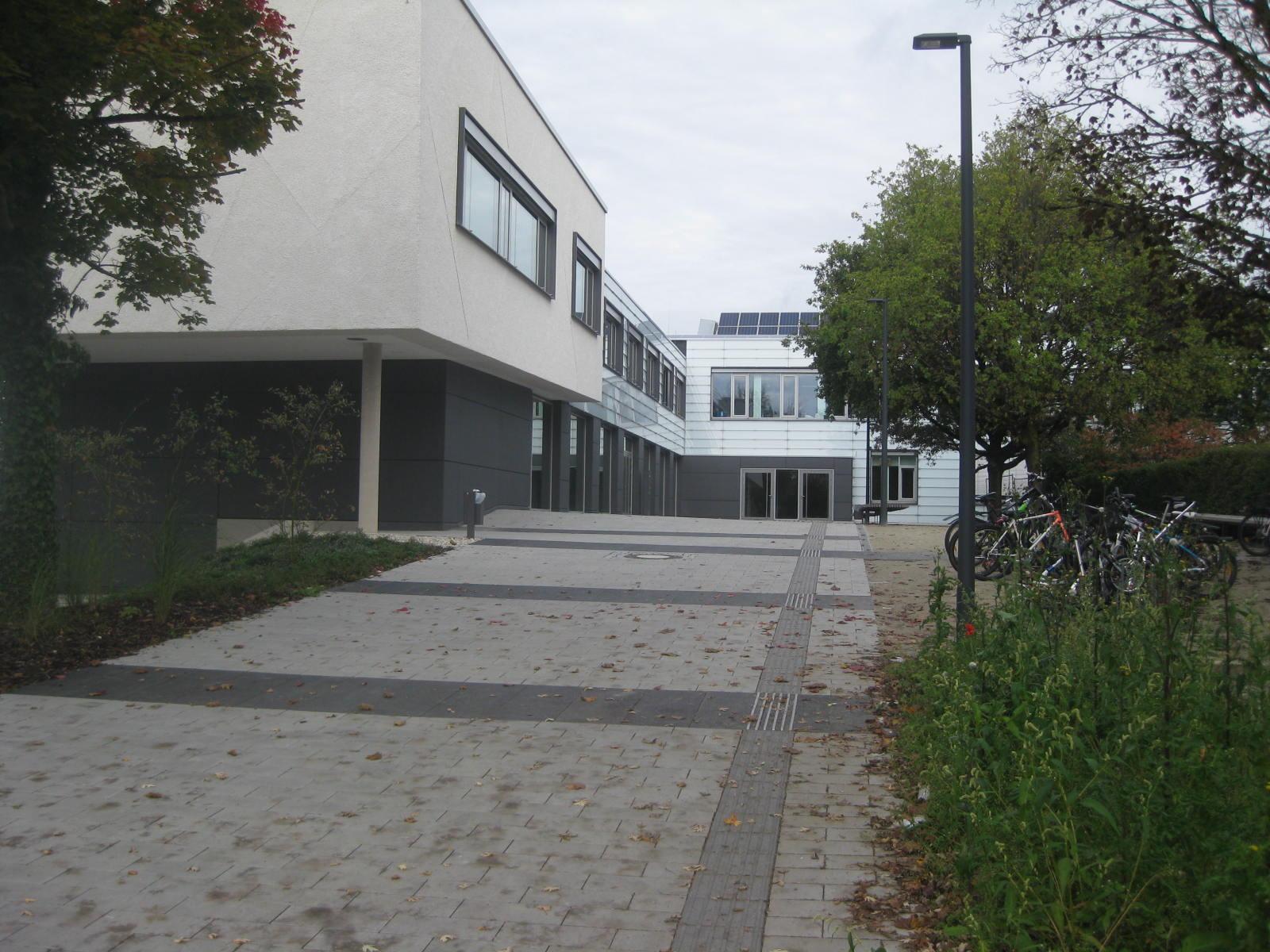 Schulansicht Eingang Süd